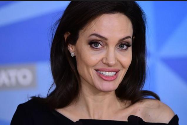 Не опять, а снова: Джоли собралась замуж