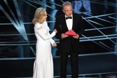 Уоррен Бітті і Фей Данауей на церемонії 'Оскар-2017'