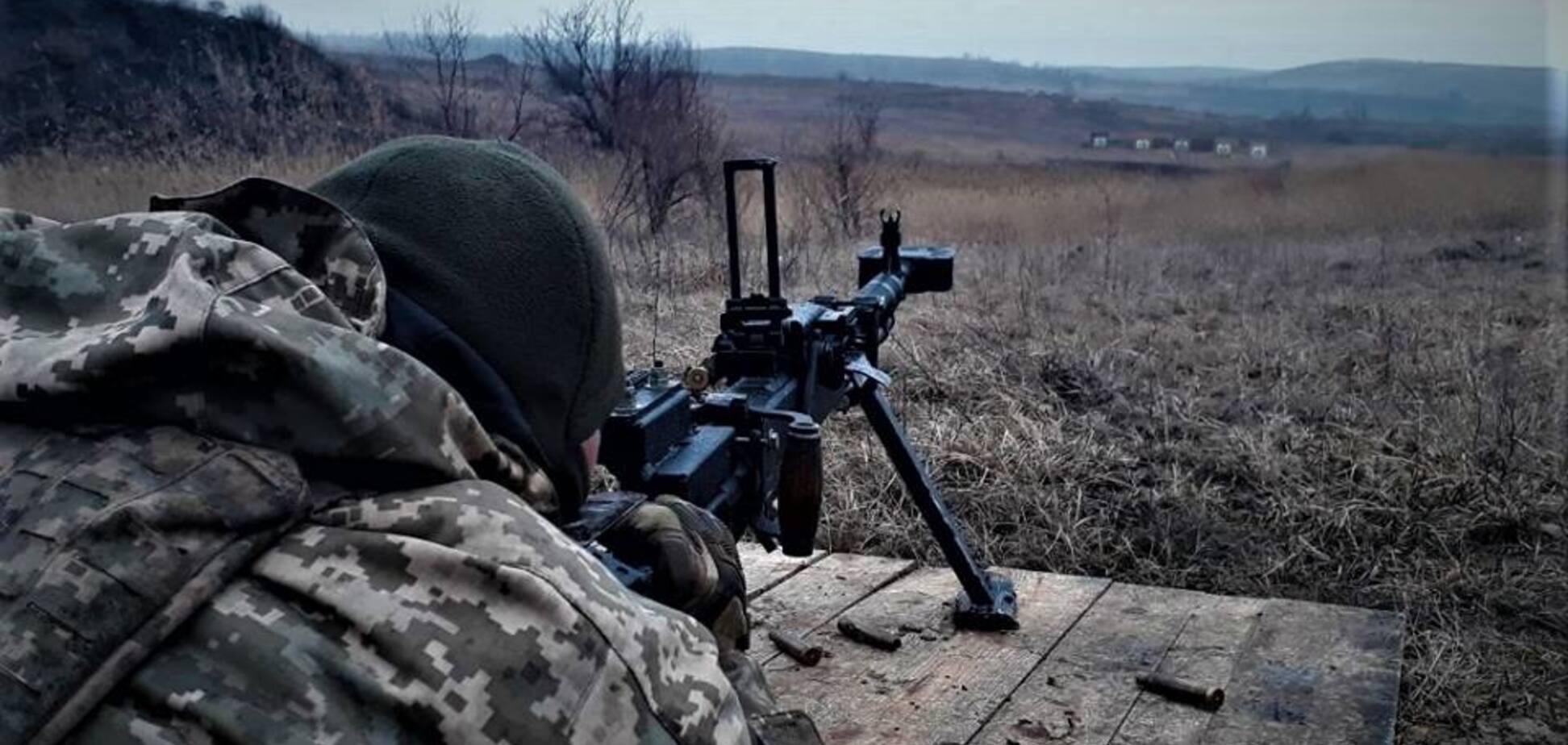 Перемир'я порушено: терористи 'ДНР' поранили бійця АТО на Донбасі