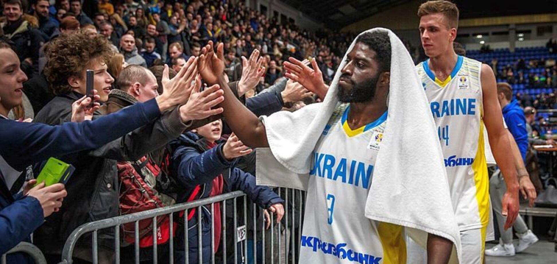 Американский баскетболист организовал акцию в поддержку двухлетней украинки