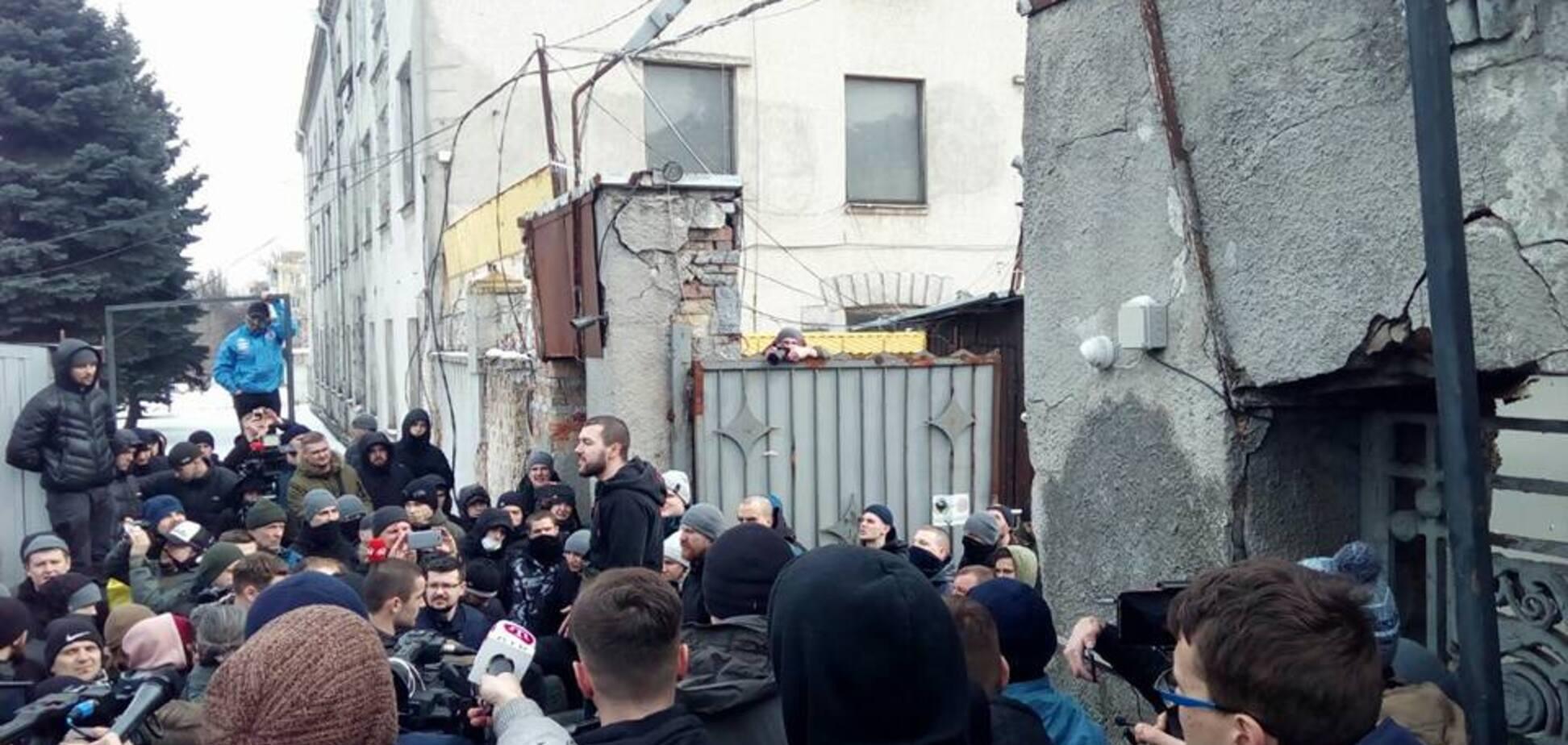 Конфликт на базе 'Нацкорпуса' в Киеве: появились новые подробности и видео