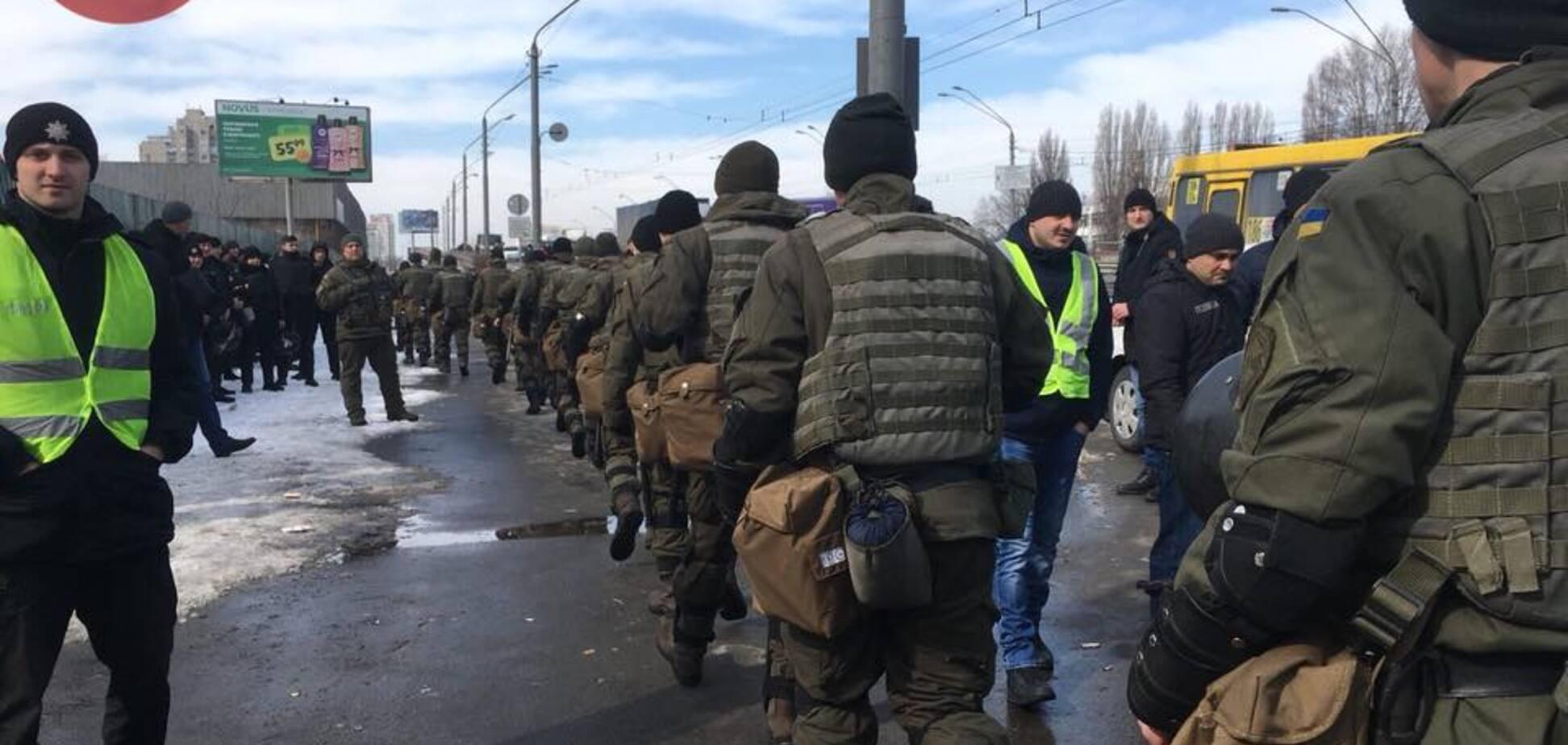 У Києві силовики заблокували базу 'Нацкорпуса': всі подробиці