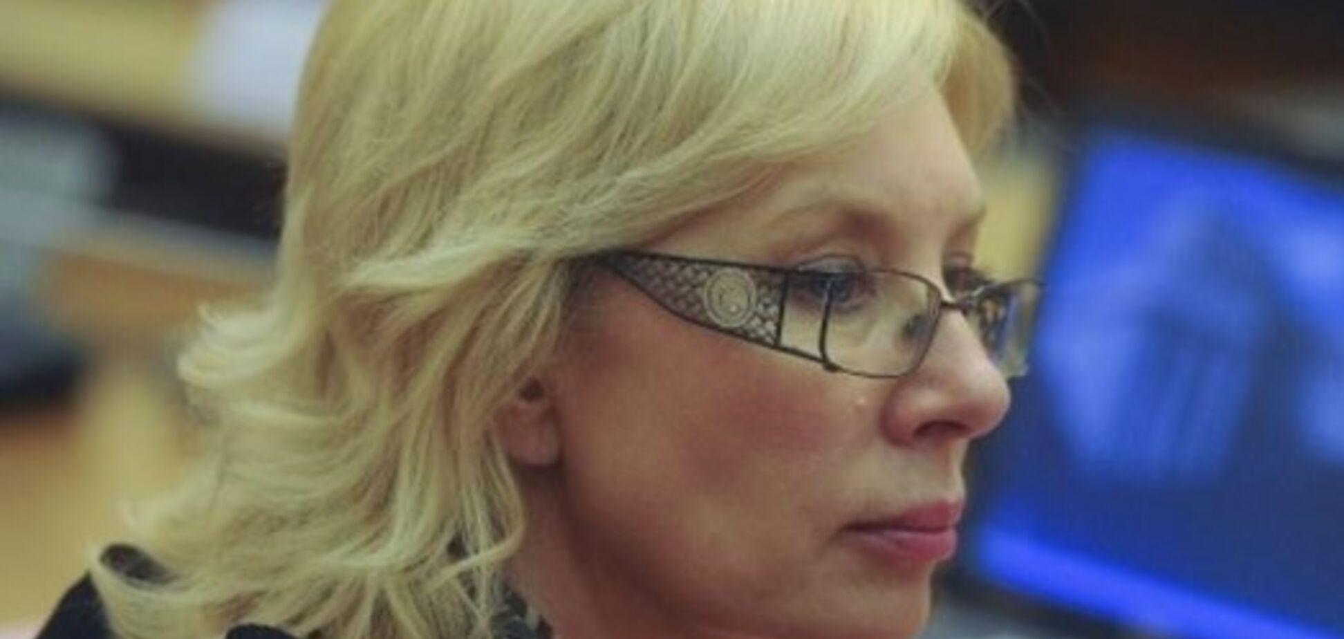 Скандальна омбудсмен Денисова зібралася у Крим