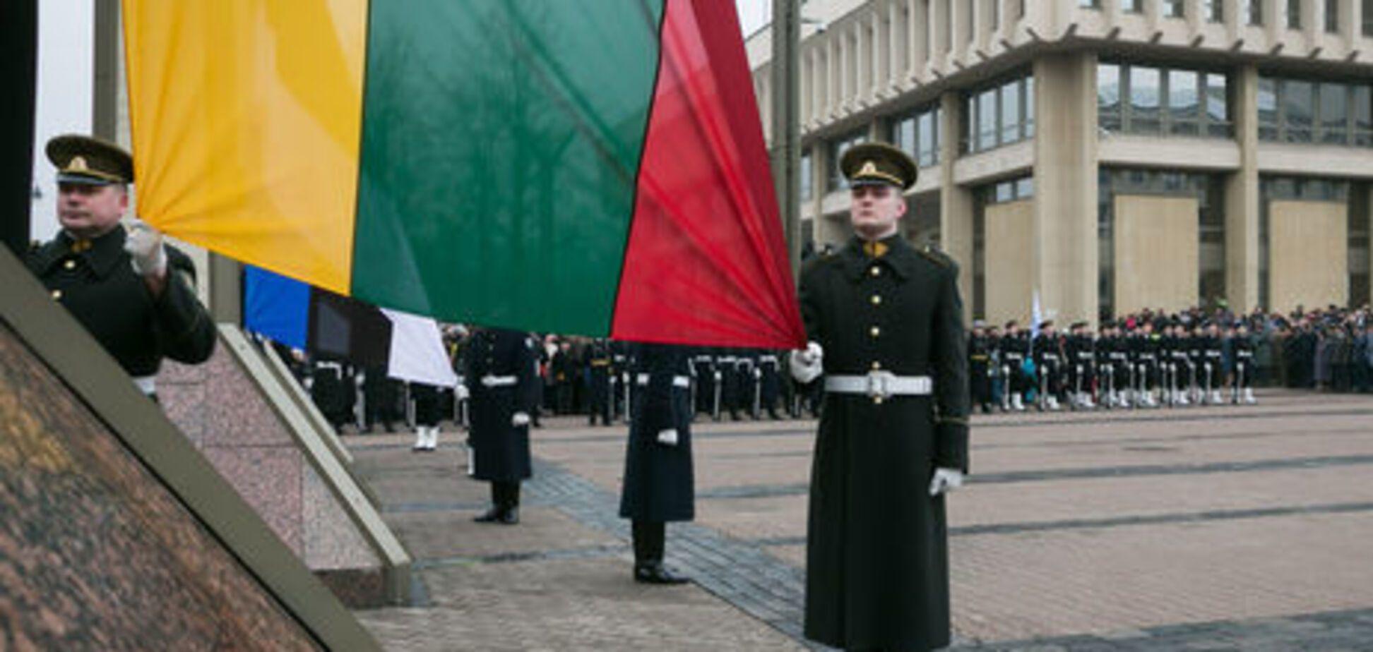 Удар ниже пояса: Литва запретила въезд 44 россиянам