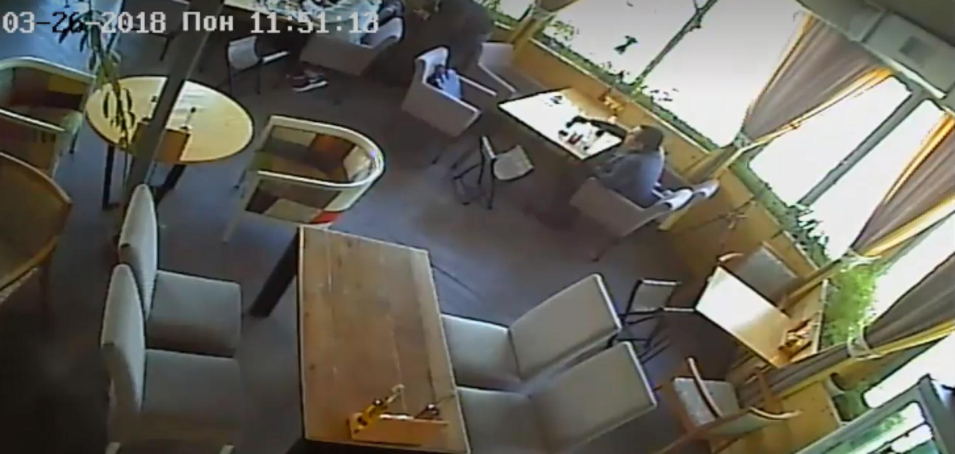 'Не буду їсти хачапурі': у Києві нахабні злодії потрапили на камери