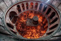 Сходження Благодатного вогню назвали великим бізнесом в РФ