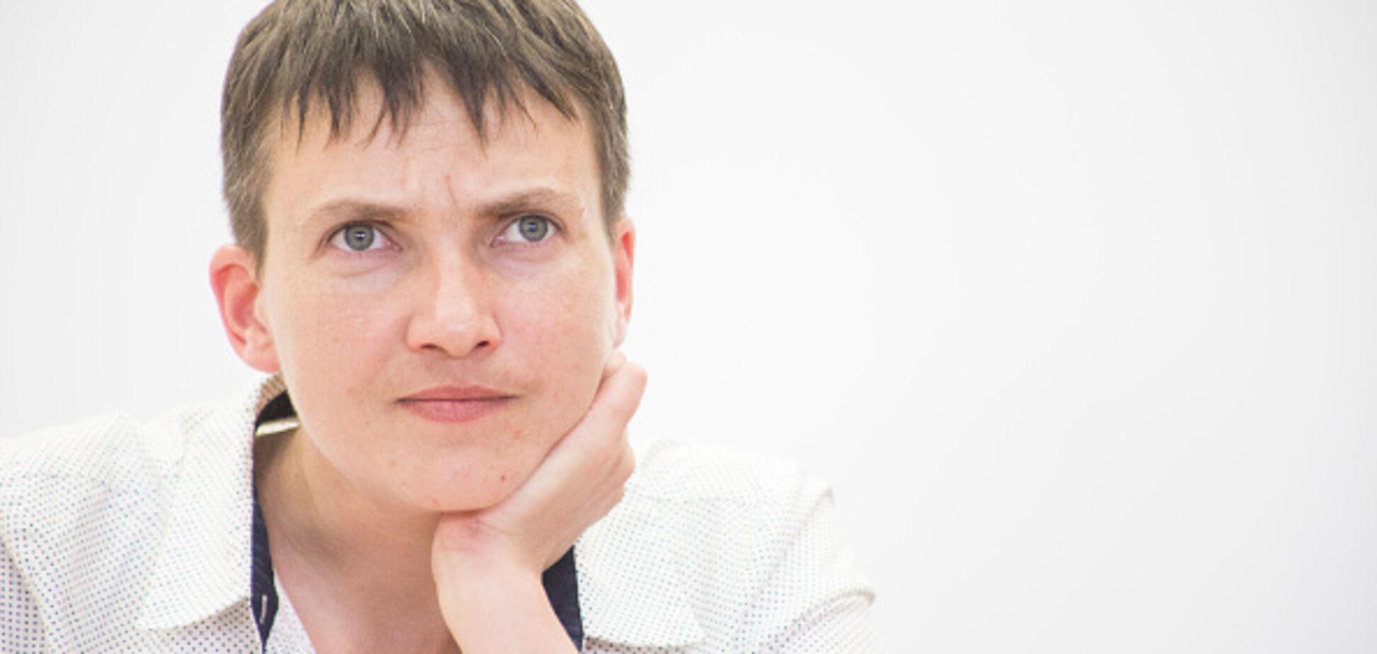 Бросалась стульями: появились подробности истерик Савченко в армии