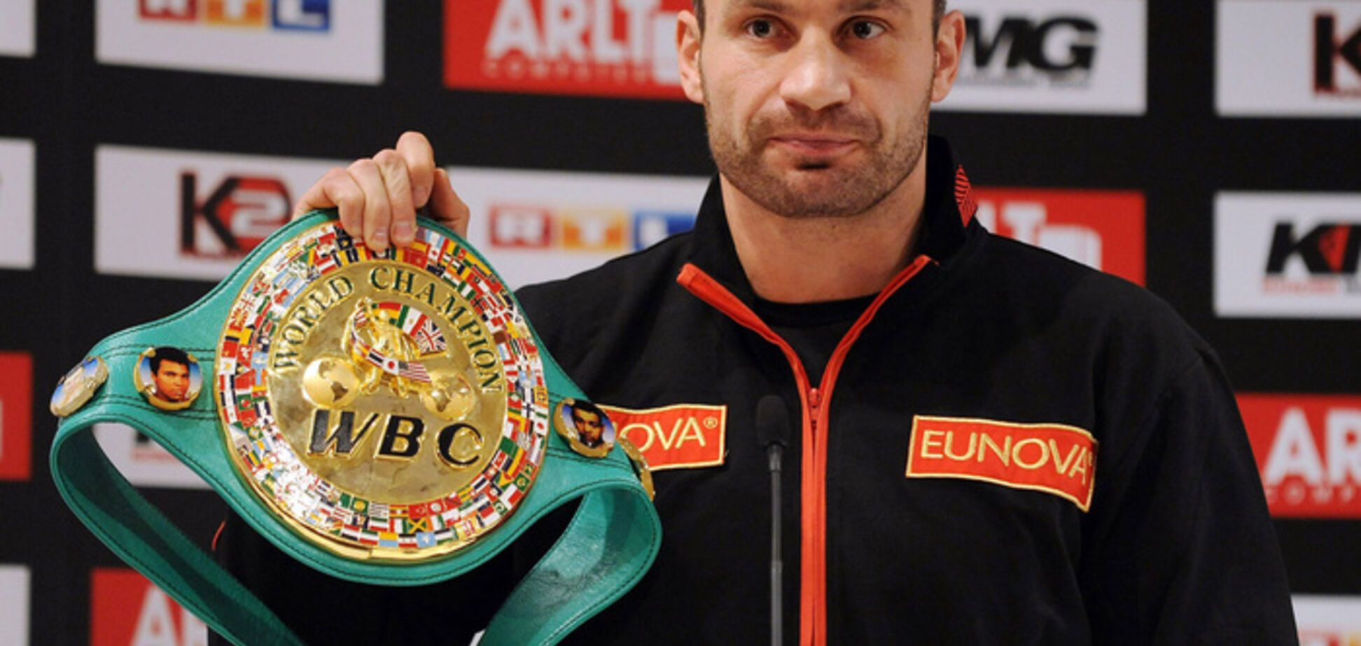 WBC оголосила про проведення у Києві супербою Кличко - Льюїс