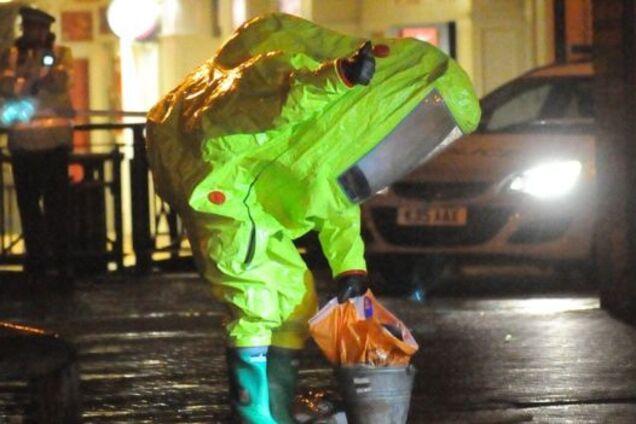 Британских полицейских госпитализировали с места отравления Сергея Скрипаля