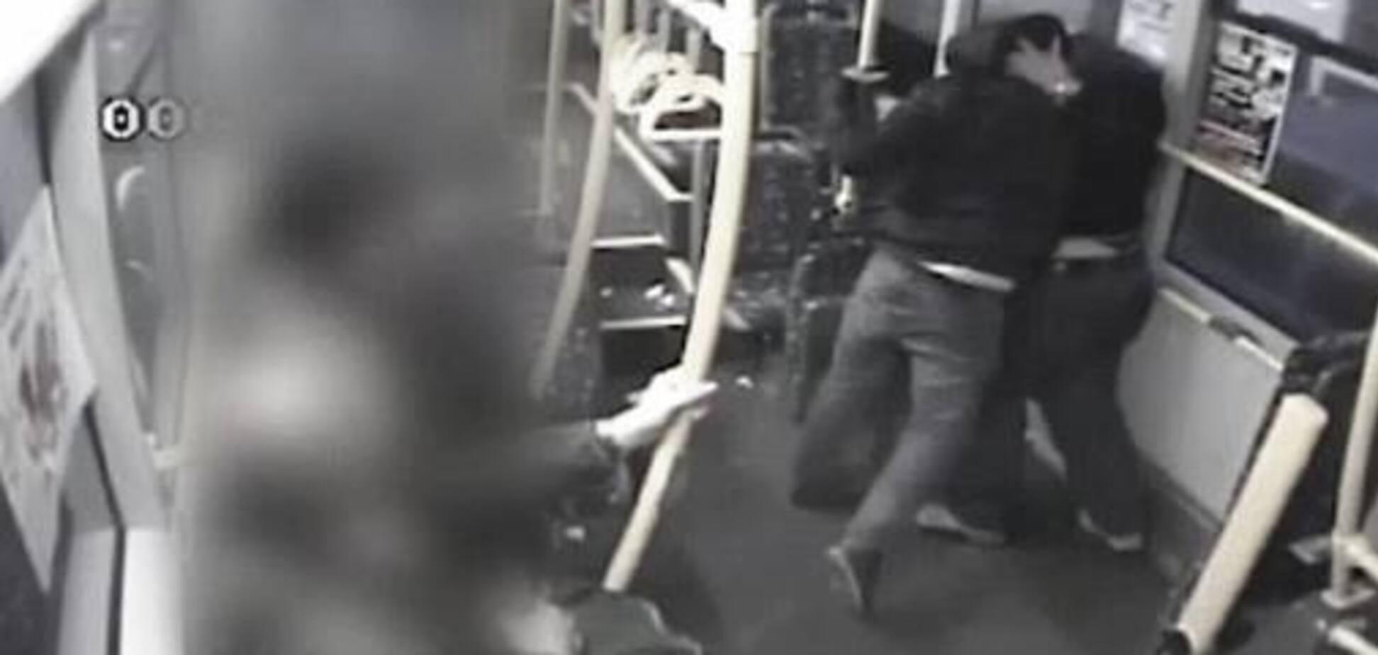 У Польщі українця побили в трамваї через національність