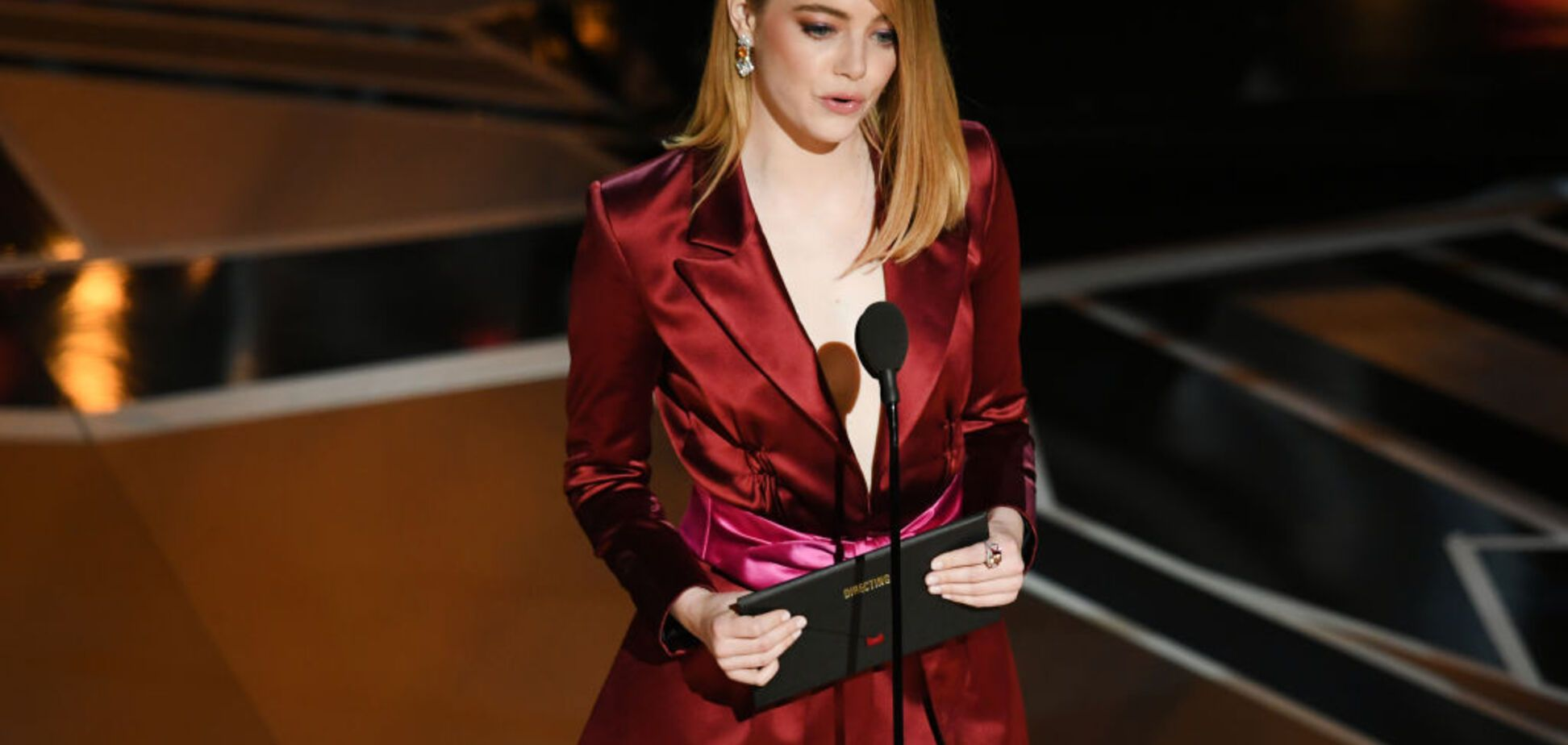 Эмма Стоун без нижнего белья выступила на церемонии 'Оскара'