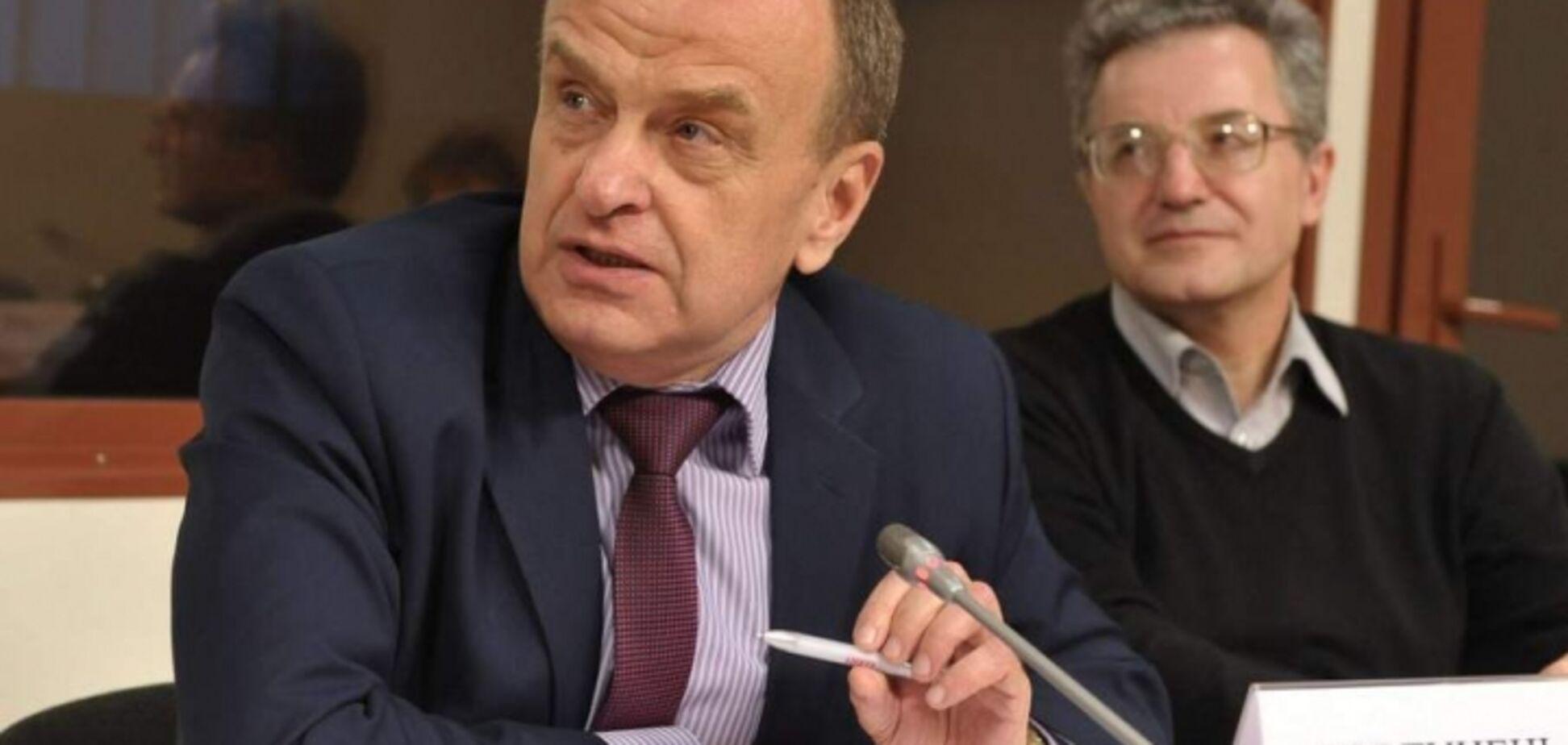 Міносвіти: заступник міністра не повинен йти у відставку через участь його сина у розбої