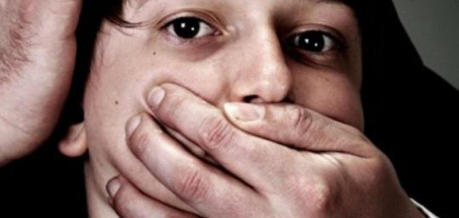 Пришла на собеседование: в центре Киеве изнасиловали женщину