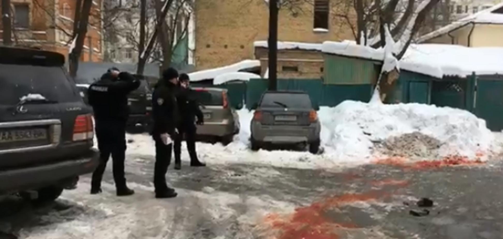 У центрі Києва сталося вбивство: з'явилися фотороботи підозрюваних