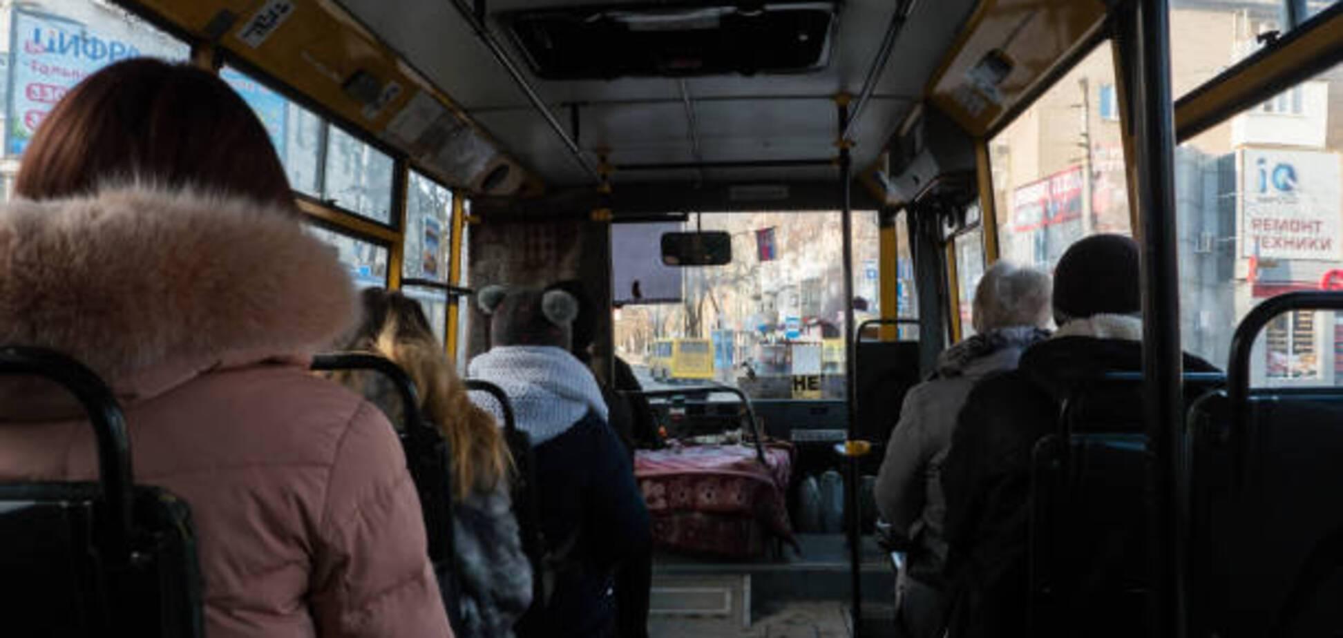 В Хмельницком маршрутчика отправили в зону АТО за отказ везти вдову бойца