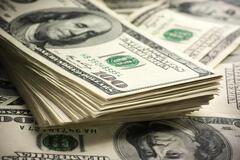 Украинцам сообщили, что будет с долларом в марте