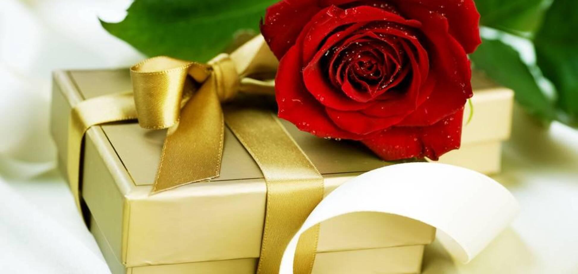 Подарок к 8 Марта: сексолог пояснил, как порадовать любимую