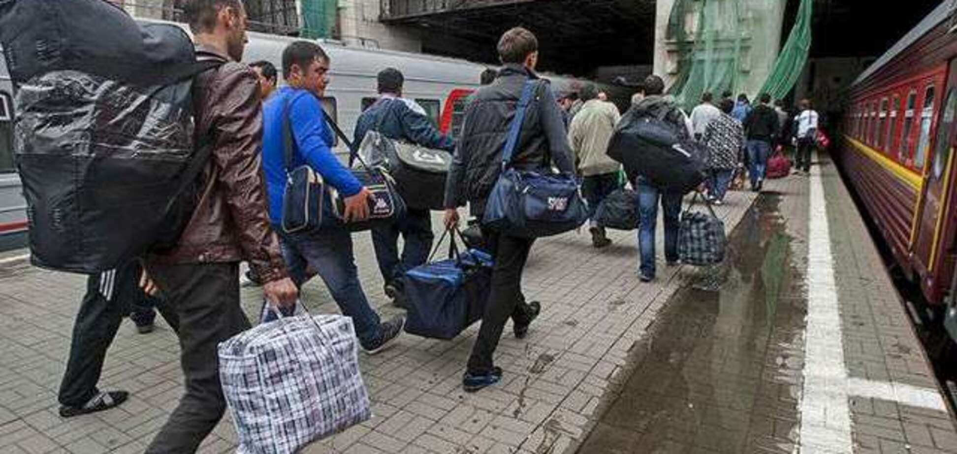 На украинских заробитчанах зарабатывают мошенники-посредники