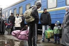 Чому українці їдуть за кордон: названо головну причину трудової міграції