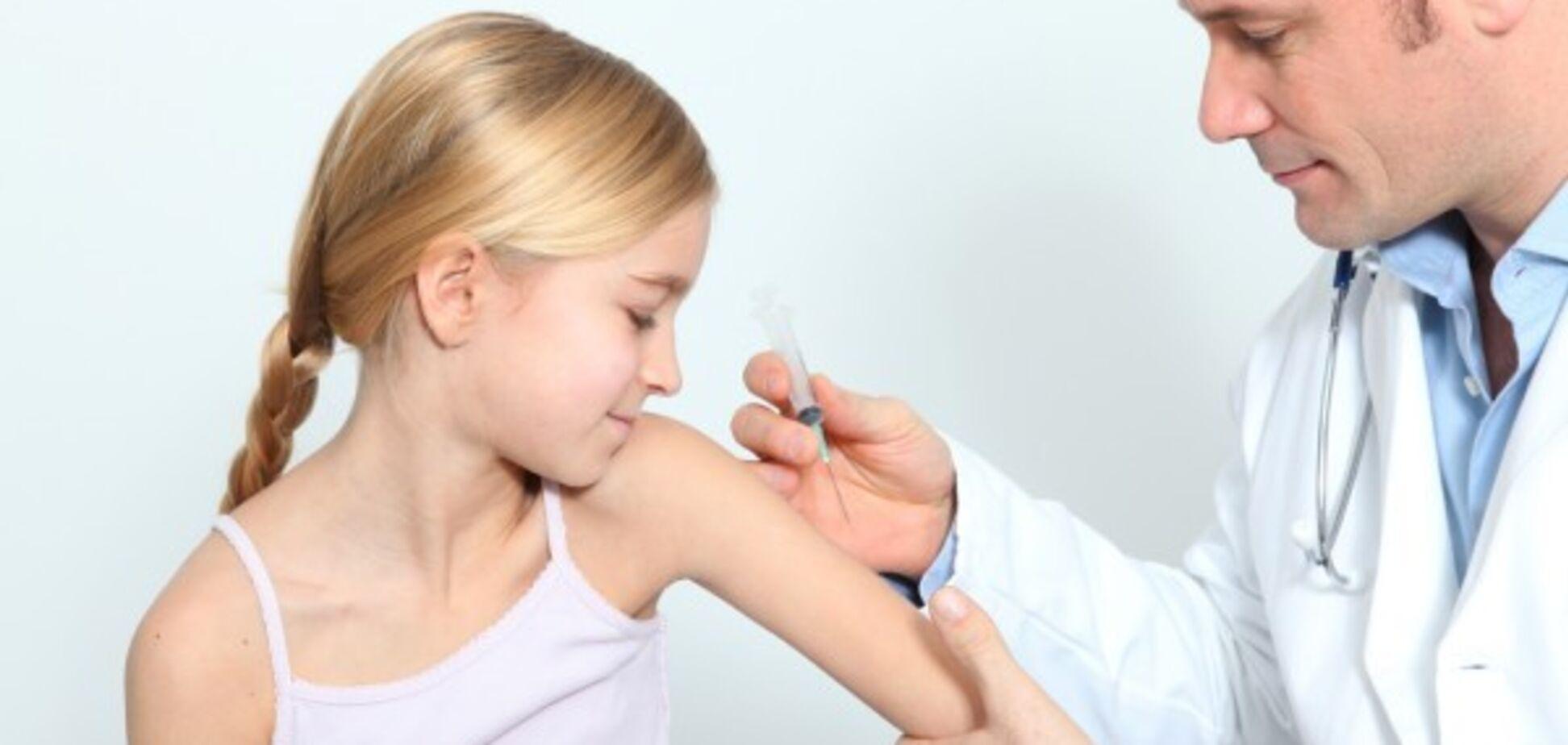 В Украине запретили детям без прививок посещать садики и школы: указ МОЗ и Минобразования