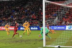 Канадский футболист сотворил 'вертушку' и забил эффектный гол пяткой