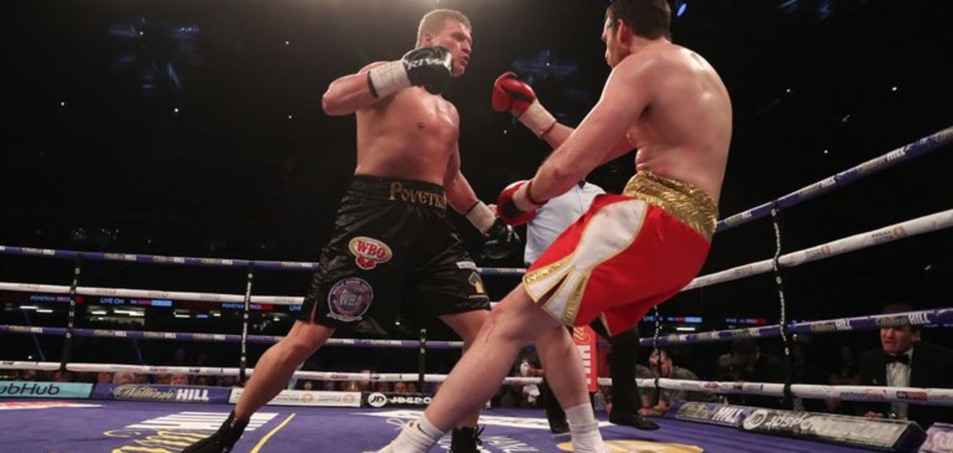 Поветкин выиграл бой за два чемпионских пояса, отправив в кошмарный нокаут соперника