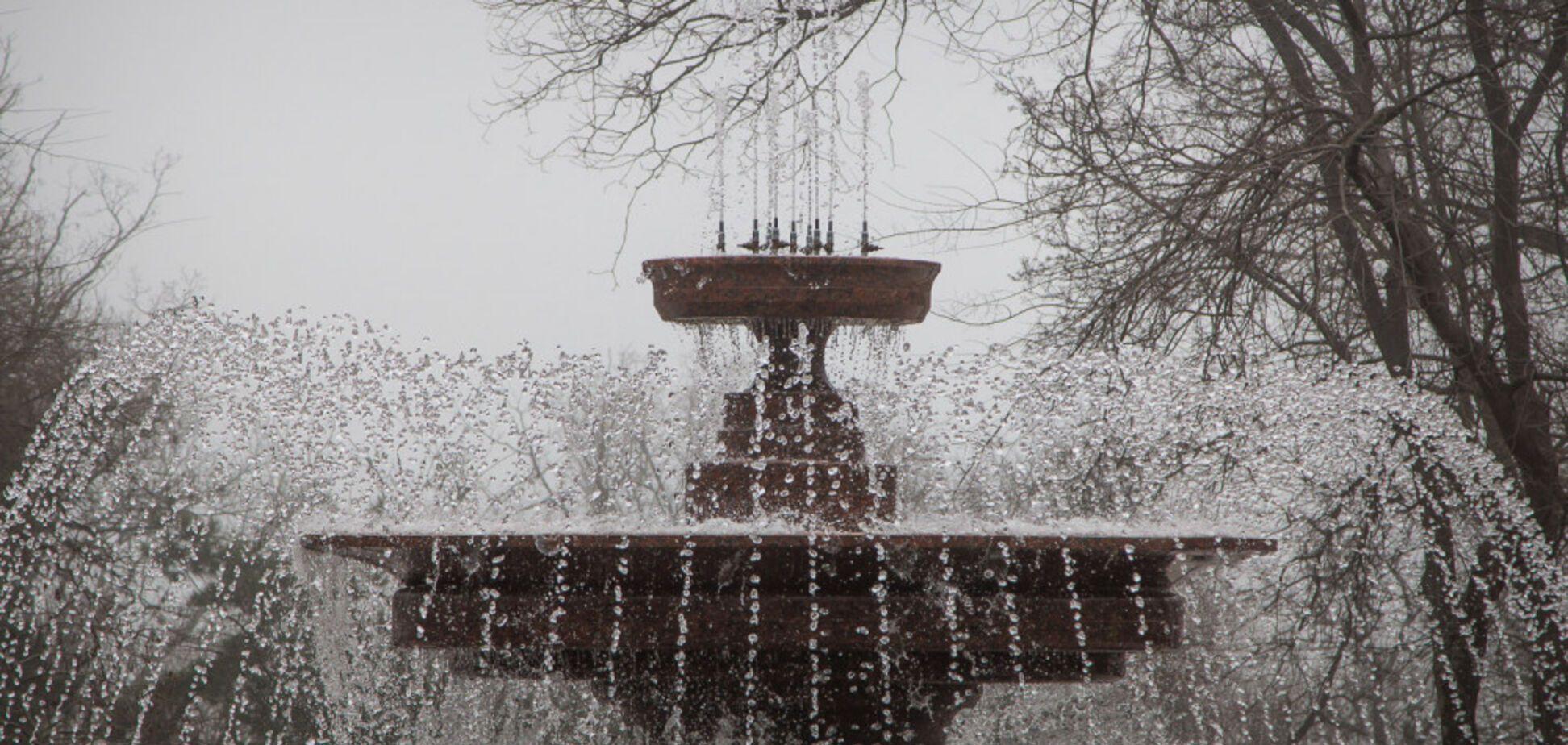 В Одесі відкрили фонтан з нічним підсвічуванням