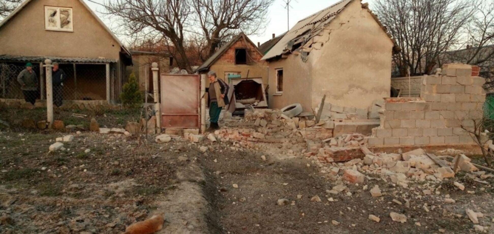 Люди ховалися в укриттях: терористи на Донбасі накрили вогнем Авдіївку