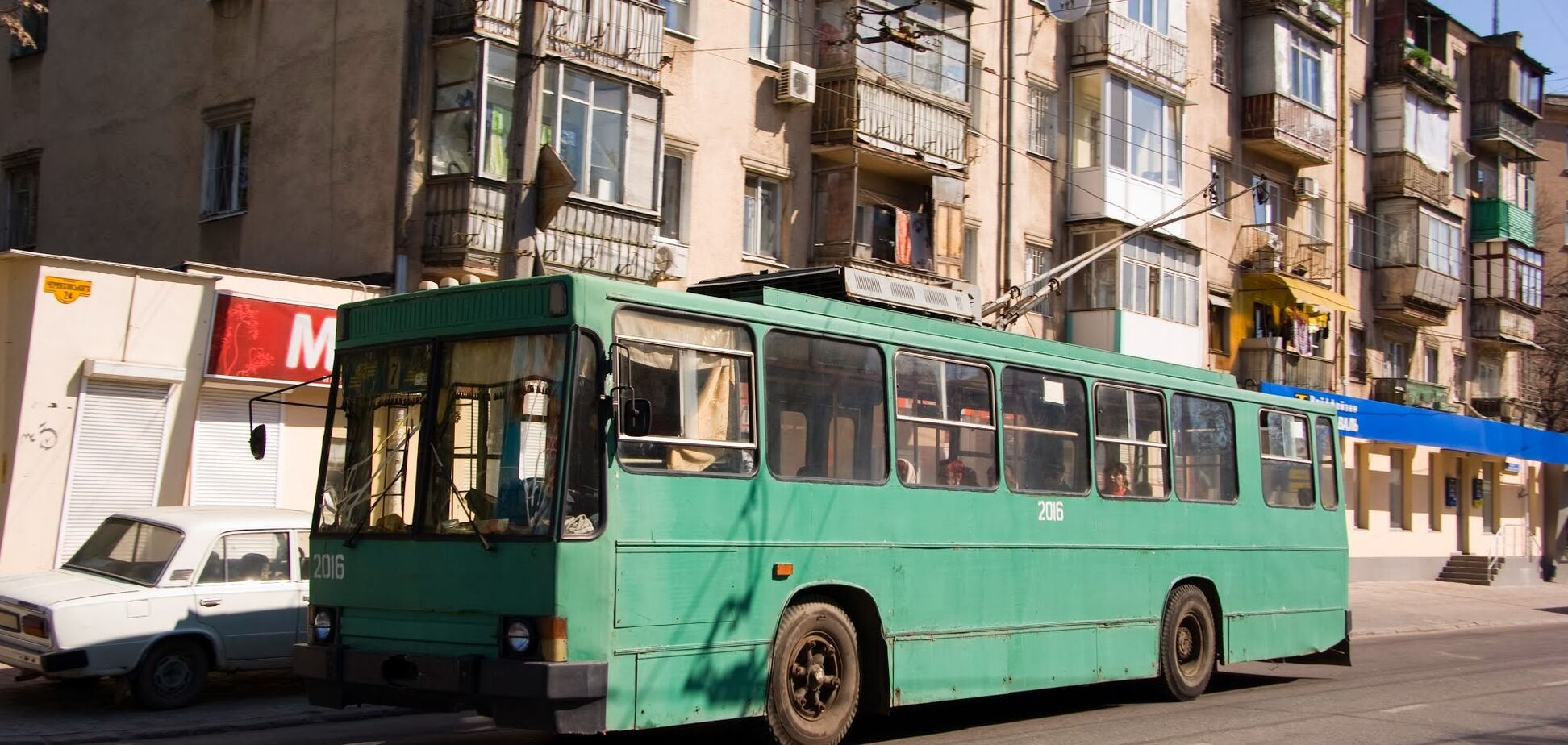'Водителям позор!' В Одессе произошел вопиющий инцидент с дедушкой на коляске