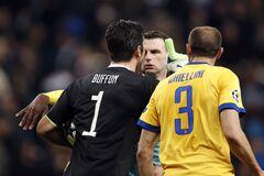 'Животное!' Буффон втоптал в грязь арбитра матча с 'Реалом'