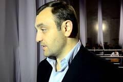 'Переплутали': організатор 'тітушок' прокоментував затримання у Франції