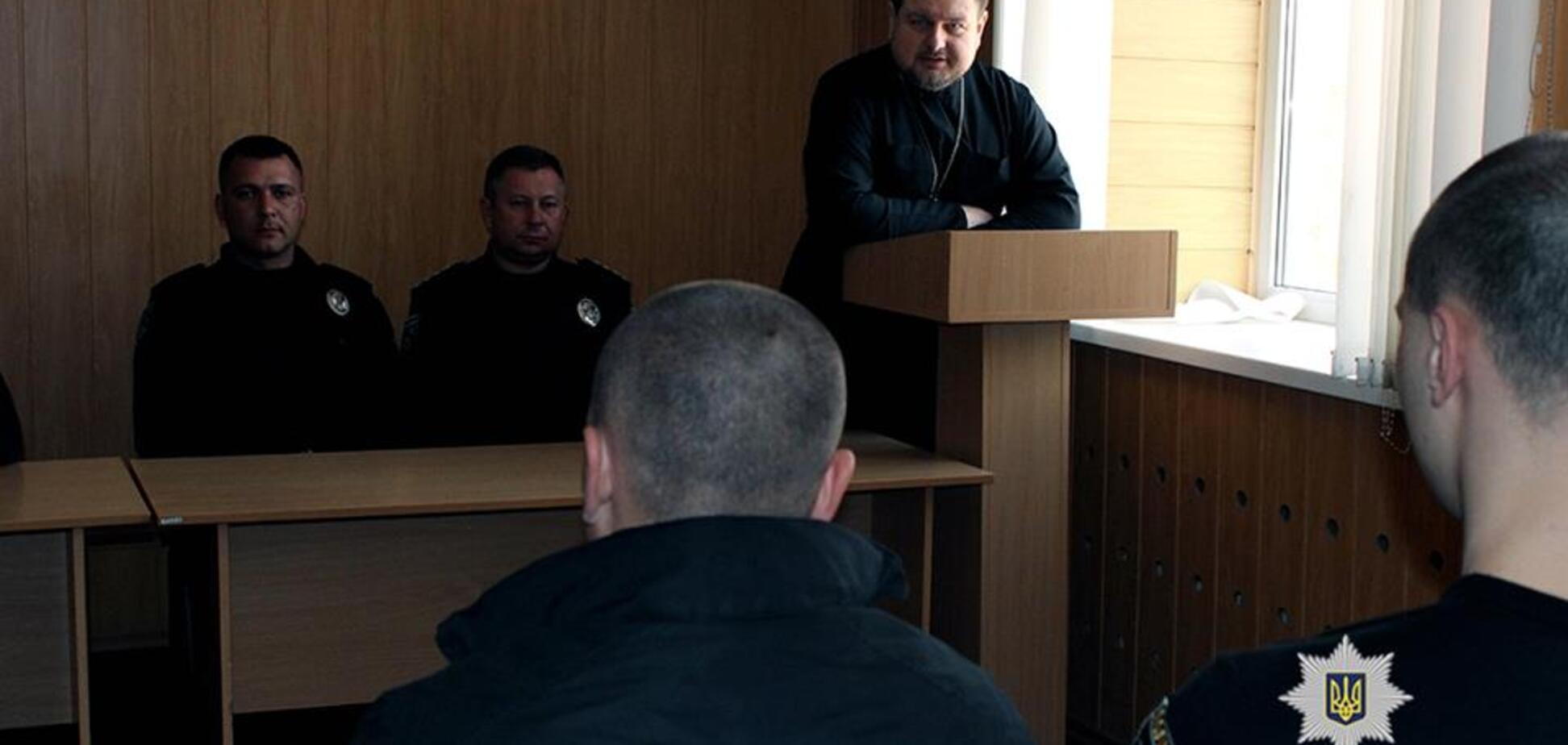 С харьковскими полицейскими поговорили о суициде