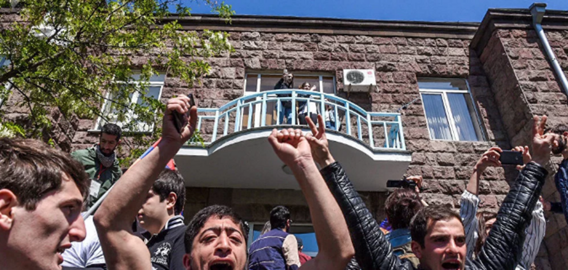 У Вірменії почалася 'оксамитова' революція: всі подробиці