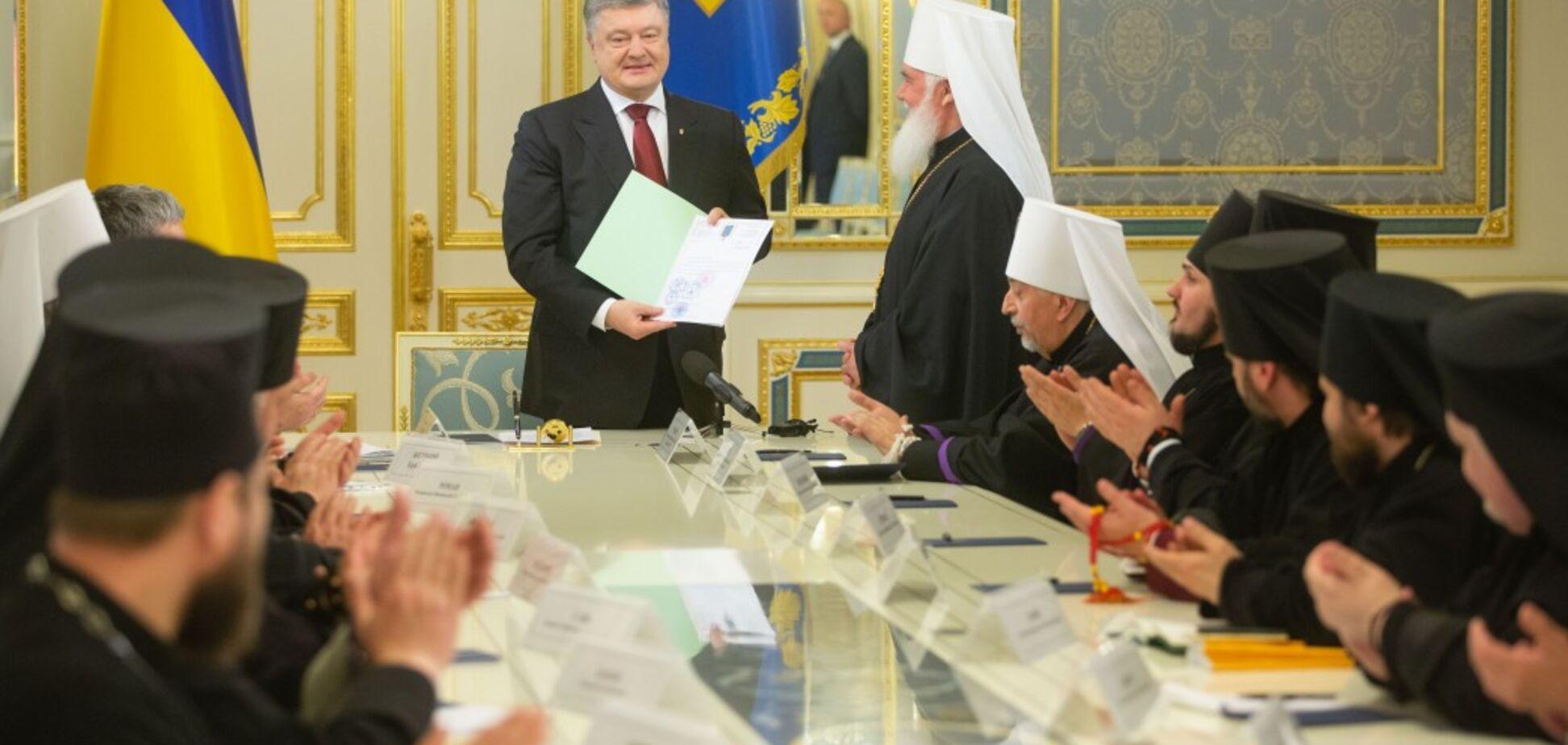 Единая православная церковь в Украине: Порошенко сообщил о сдвиге