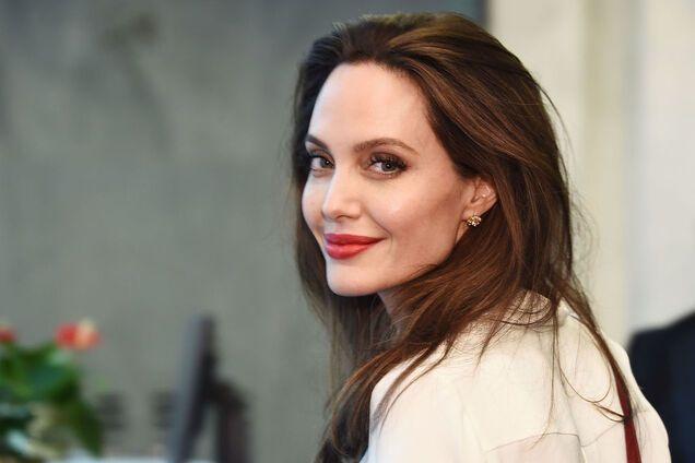 """Анджелина Джоли и Мишель Пфайффер поссорились на съемках """"Малефисенты"""""""