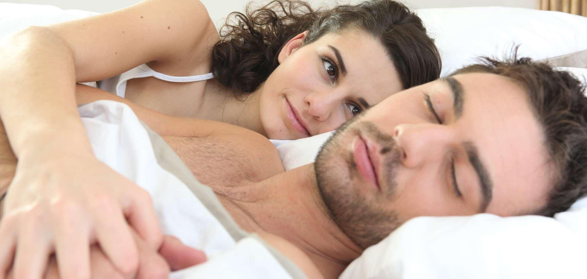 О чем думают мужчины и о чем думают женщины перед сном: ТОП мыслей