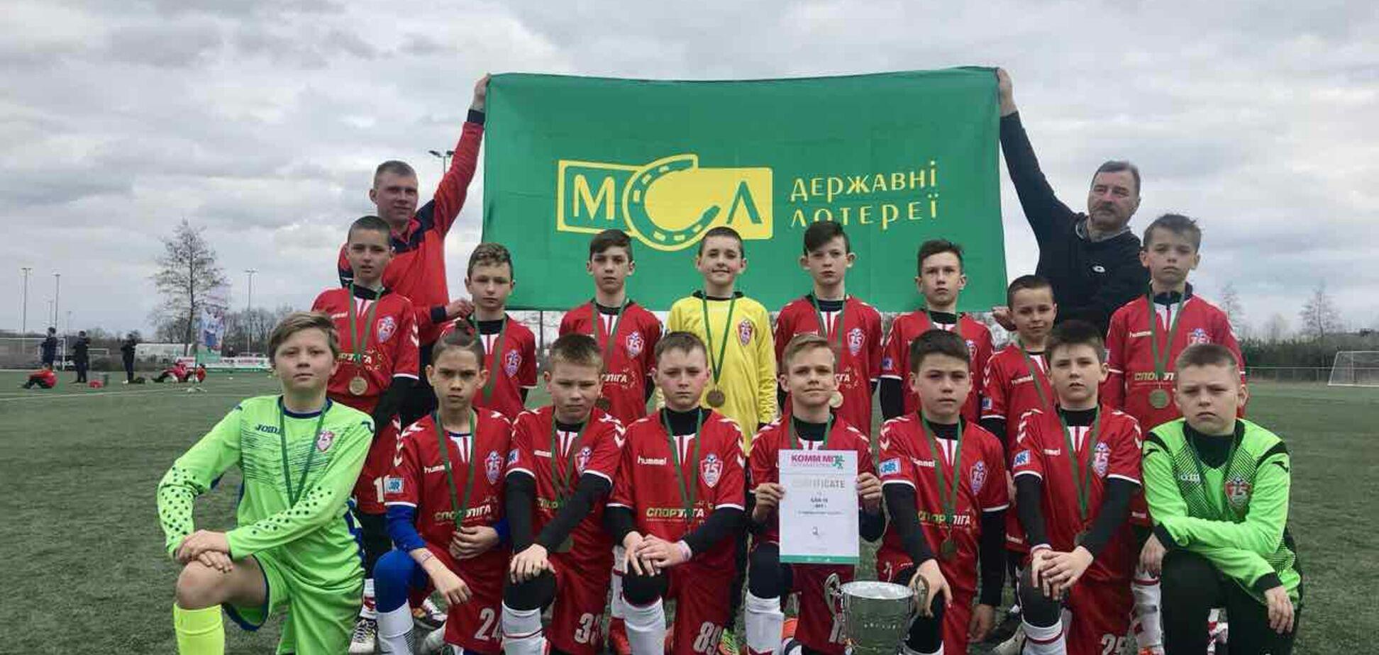 Украинская команда завоевала серебро на международном футбольном турнире