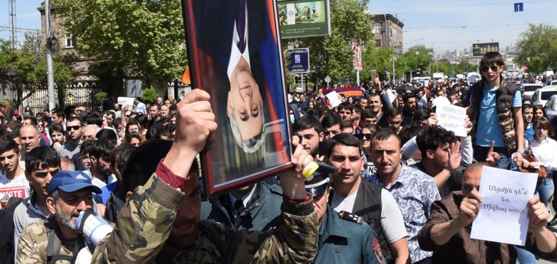 'Оксамитова' революція у Вірменії: кількість затриманих перевалила за 2 сотні