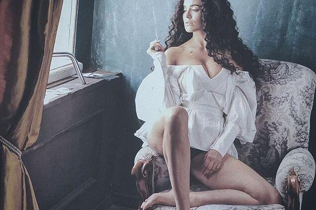 Астафьева выложила новую порцию эротических фото