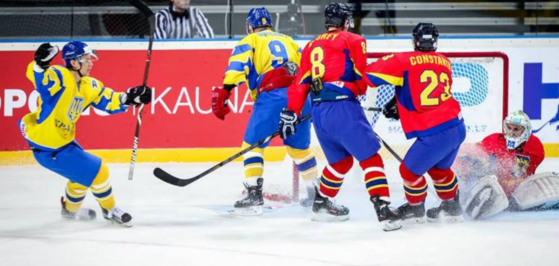 Україна розгромною перемогою стартувала на ЧС з хокею
