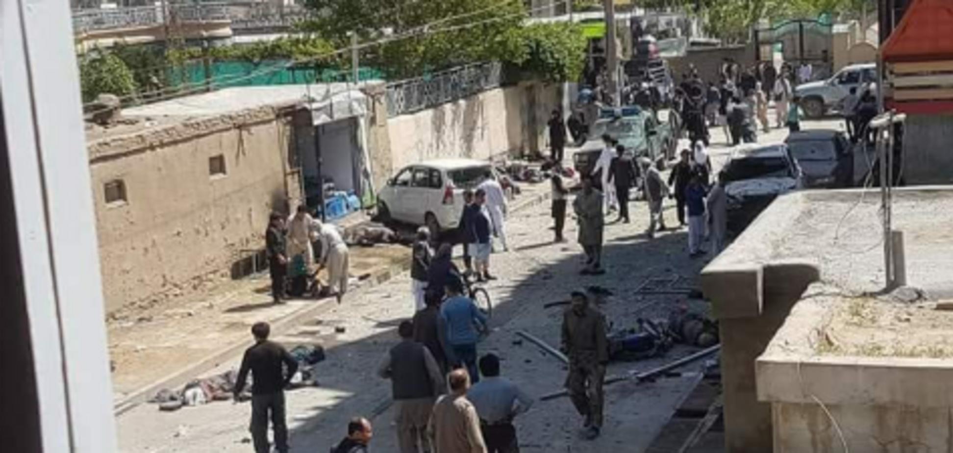У Кабулі в натовпі підірвався смертник: 57 жертв