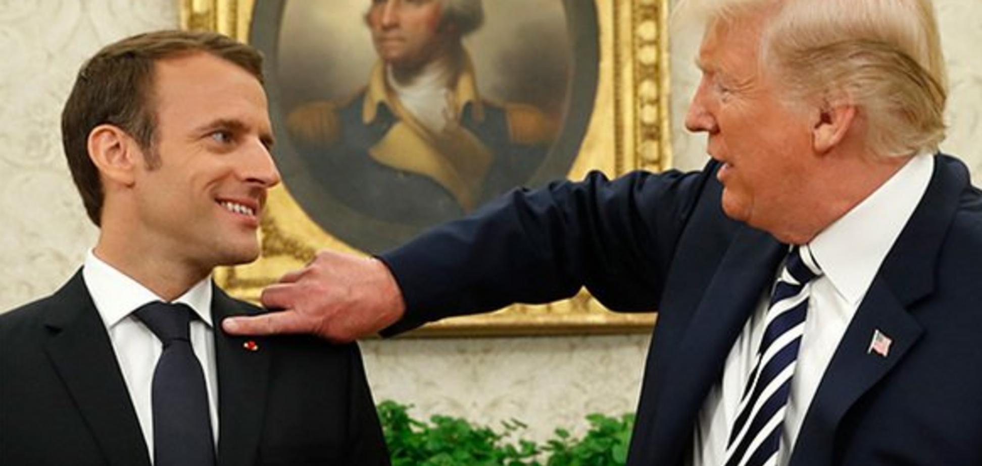 'Перхоть стряхнет, памперс поменяет': Трамп и Макрон попали в курьезную ситуацию