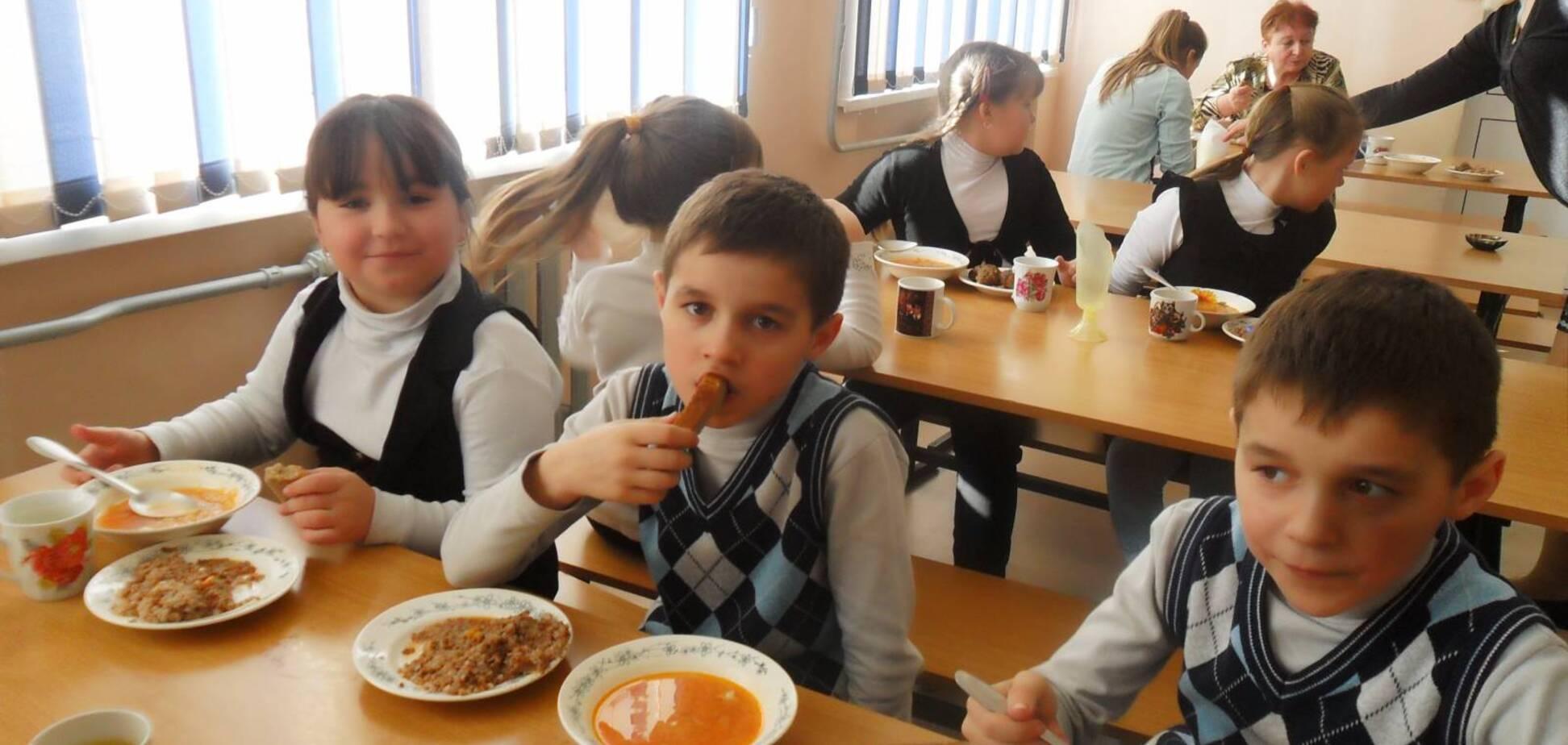 Чим годують школярів у Києві: чиновник розкрив деталі