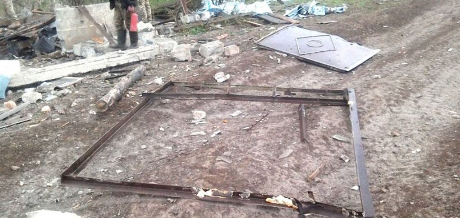Пекло в Луганському: в мережі показали, що залишилося від селища після обстрілу терористами