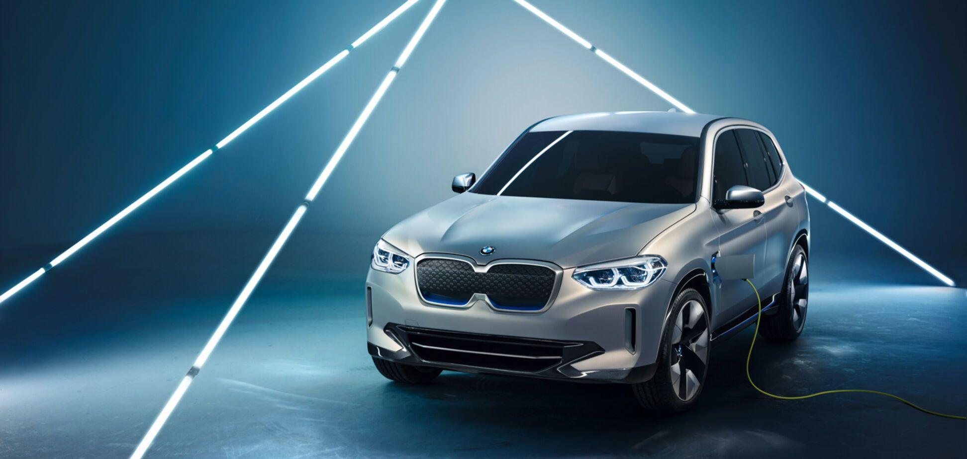 BMW представила свій перший електрокросовер