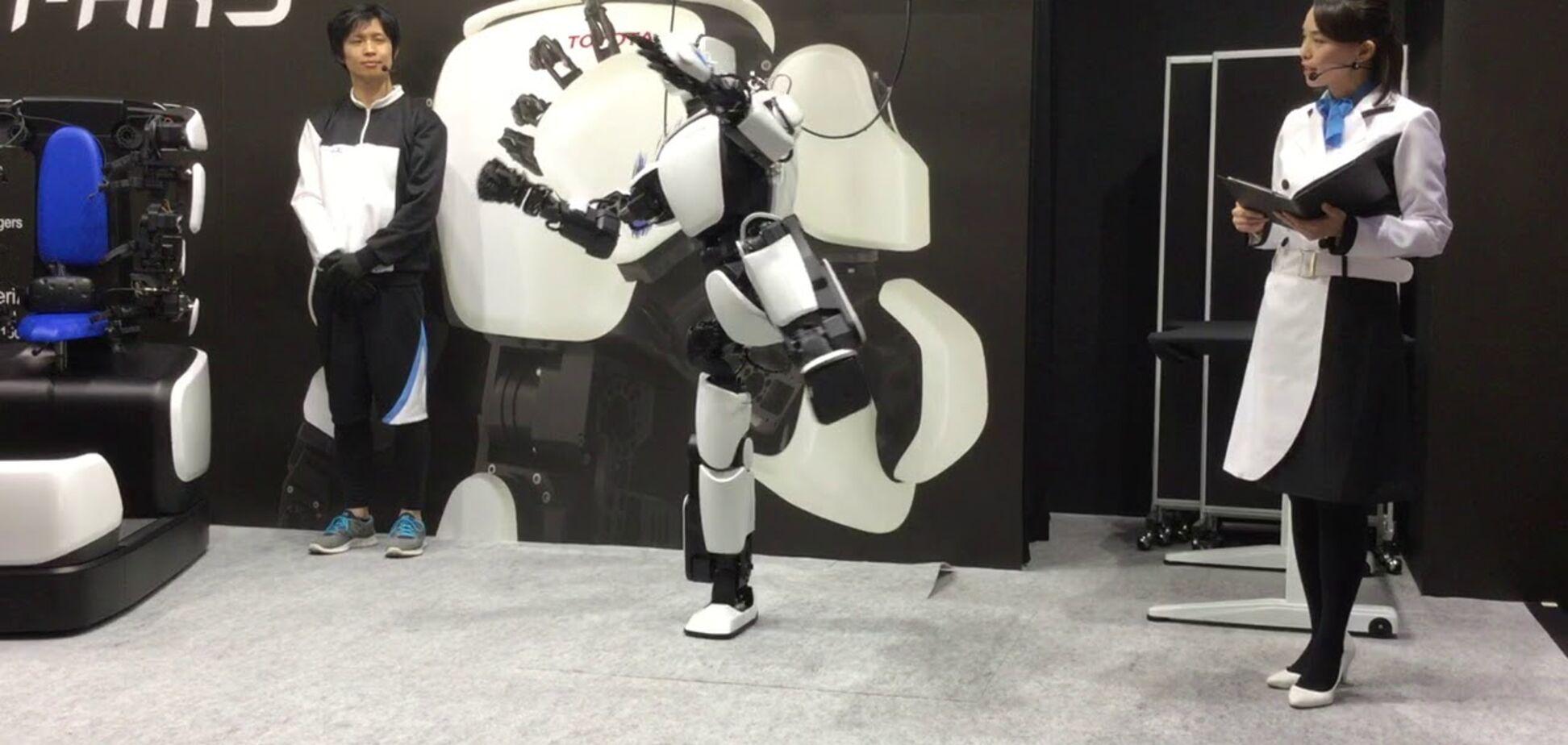 Робот навчився наслідувати людину