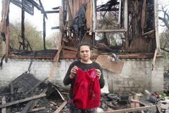 'Діти згоріли живцем': у Києві роми розповіли про знищення їх будинків