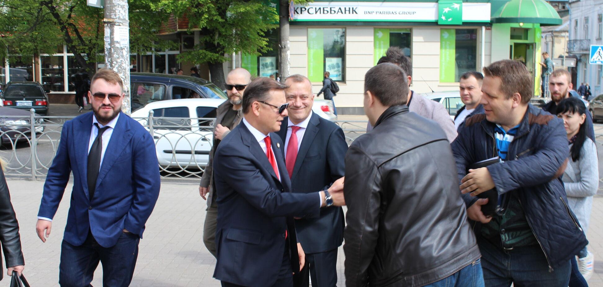 Ляшко прямо на автовокзалі у Рівному вислухав проблеми українців