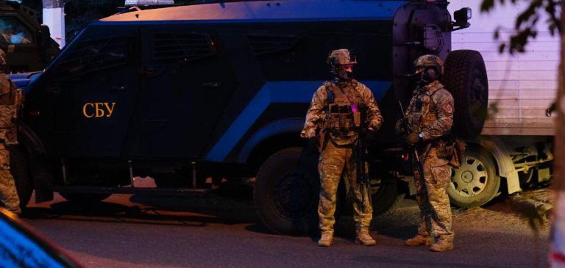 Скупчення військової техніки налякало одеситів: фоторепортаж