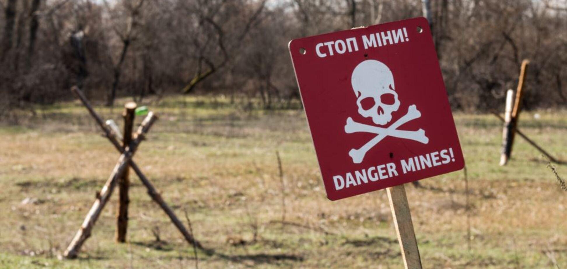 Бояться місцевих: терористи мінують населені пункти на Донбасі